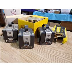 LOT OF 3 BROWNIE CAMERAS AND FLASH