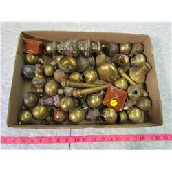 LOT OF ANTIQUE BED KNOBS ETC