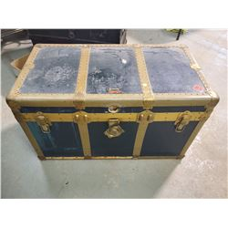 STEAMER TRUNK WITH TRAY- EATONIA (36 X 19 X 21)