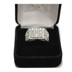 Men's Sterling Silver Large Ring with Center Stones Size: 9 stamped 925 New with Box