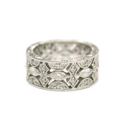 Gorgeous Ladies Studded Gemstone Silver Gala Ring Size 6
