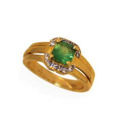 Lively 14k Gold .65 carat Emerald Diamond Ladies Ring Fine Jewelry