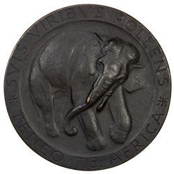 ITALY: AE medal (169.8g), 1935. EF