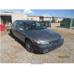 1997 - TOYOTA CAMRY//SALVAGE TITLE