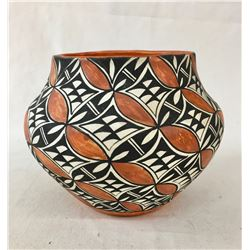 Fine Acoma Pottery Pot - Betty Baca