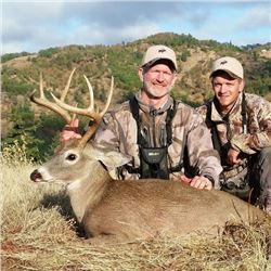 4-day Oregon Columbia White-tail Deer Hunt for One Hunter and One Observer