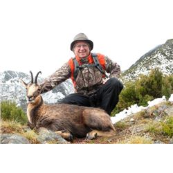 5-day Spain Pyrenean or Cantabrian Chamois Hunt for One Hunter and One Observer