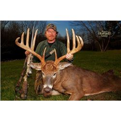 5-night/4-day Illinois Northeastern White-Tailed Deer Hunt for Two Hunters