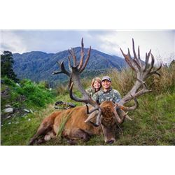 6-day New Zealand Gold-Medal Red Deer, Tahr and Chamois Hunt for Four Hunters