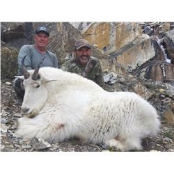 2020 FULL CURL STONE OUTFITTERS, MOUNTAIN GOAT HUNT IN NORTHERN BC FOR (2) HUNTERS