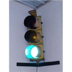 Hooded Traffic Light Signal, Works