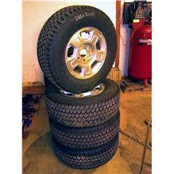 Set of Like-New Wrangler 265 70r17 Tires on Rims