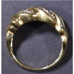 10KT YELLOW GOLD RING   SIZE 6