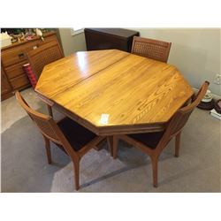 Dining Table & Chairs C