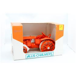 Allis Chalmers U Scale Models 1/16 Has Box