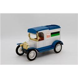 Duetz Allis Replica pf 1913 Ford Model T Van Bank Ertl Blue