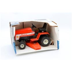 Simplicity garden tractor 1st Edition 1989 Scale Models Has Box
