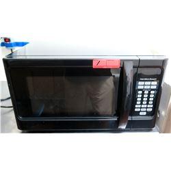 Hamilton Beach 1000 Watts Microwave Oven