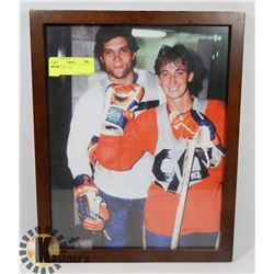 GRETZKY PICTURE.