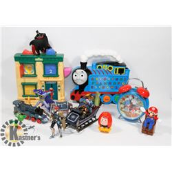 FLAT OF ASSORTED KIDS TOYS INCLUDING THOMAS THE