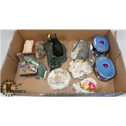 LOT OF COLLECTIBLE TRINKET BOXES AND