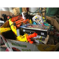 LARGE PALLET LOT OF FORTNITE NERF GUNS, ASSORTED NERF GUNS, KIDS TOYS, HOUSEHOLD ITEMS, ETC