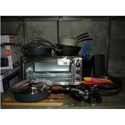 LOT OF KITCHEN SUPPLIES INCLUDING ASSORTED POTS AND PANS, BLACK & DECKER TOASTER OVEN, KNIFE SET