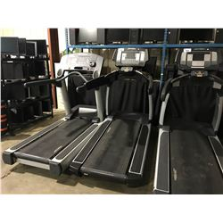 LIFE FITNESS 95T COMMERCIAL TREADMILL WITH USB, IPOD & UTILITY JACK