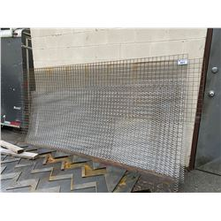 ASSORTED METAL MESH AGAINST SMALL WAREHOUSE