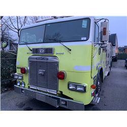 1996 FREIGHTLINER FIRETRUCK, PUMPER, YELLOW VIN # 1FV64LYB8TL785591