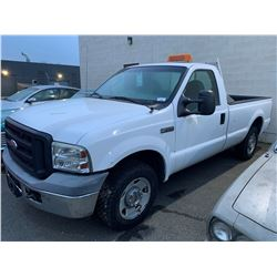 2006 FORD F-250 2DR PU, WHITE, GAS, AUTOMATIC, VIN # 1FTNF20556ED25895, 182,337KMS, RD,TW,AC, *NOT
