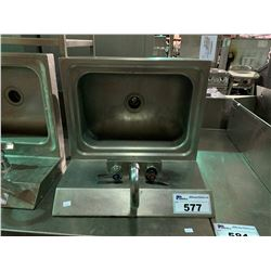 STAINLESS STEEL WASH STATION