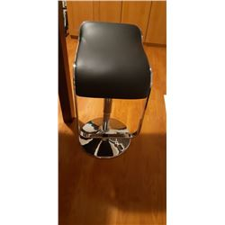 BLACK & CHROME MODERN GAS LIFT BAR STOOL