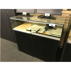 4' WIDE LOCKING GLASS DISPLAY CASE WITH BOTTOM CABINET