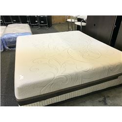 KING SIZE MEMORY FOAM MATTRESS WITH BOX SPRING