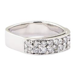 0.60 ctw Diamond Ring - 18KT White Gold