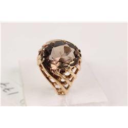 Ladies 10kt yellow gold and smoky quartz ring
