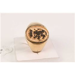 Gent's 10kt gold ring with lion and crown motif cameo