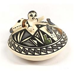 Acoma Pottery by Kathleen Lewis