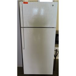 General Electric Top Freezer Refrigerator Model GTH18GBDERWW