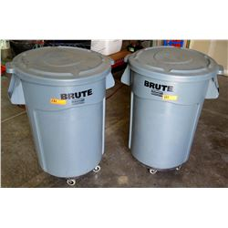 Qty 2 Rubbermaid Brute Commercial Rolling Trash Cans 44 Gallon