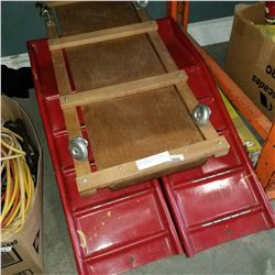 WOODEN VINTAGE VEHICLE CRAWLER AND 2 CAR RAMPS