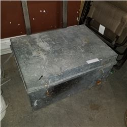 GALVANIZED METAL TOOL BOX