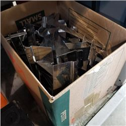 BOX OF SHELF BRACKETS