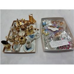 TRAY OF COSTUME JEWELLERY AND TRINKETS