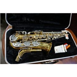 COHN 20M SAXAPHONE IN CASE