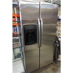AMANA STAINLESS SIDE BY SIDE FRIDGE WITH FREEZER GUARANTEED TESTED AND WORKING