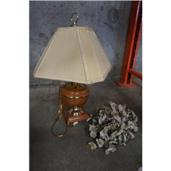 TABLE LAMP AND FLOWER LIGHTS