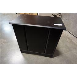 BLACK 1 DOOR STAND