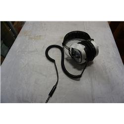 MONA M-102C HI-FI STEREO HEADPHONES